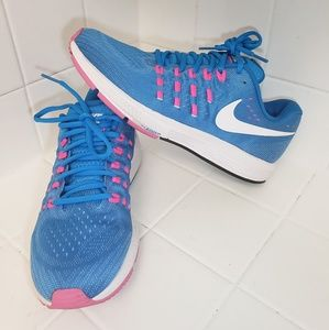 Nike Air Zoom Vomero 11 Womens Size 10 Shoes
